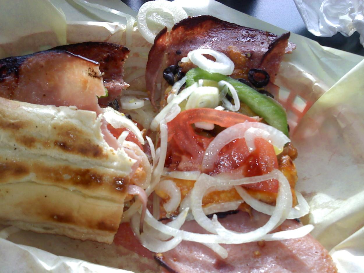 luigis food