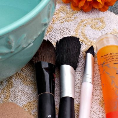 When was the last time you cleaned your makeup brushes? Here is a simpe technique using hotel shampoo. Use what you got.