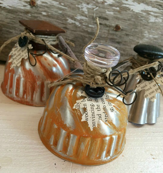 Take what you have around the house and make repurposed pumpkins! What a way to recycle items you no longer want for a vintage look. Old stuff becomes new again. These diy pumpkins can fit any home decor style.
