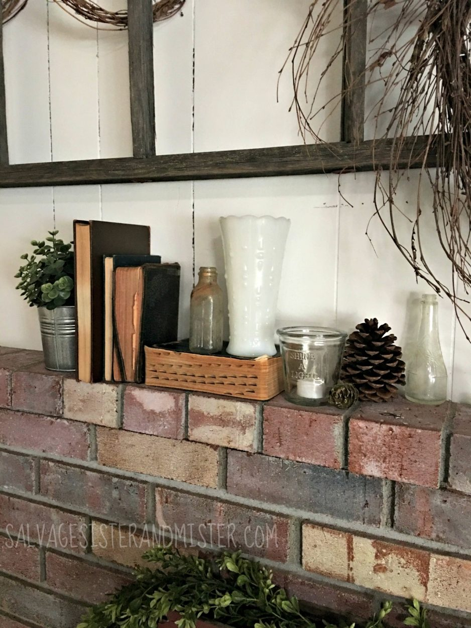 Want to decorate yr home without a lot of money or storing a ton of stuff? Use what you have and what is around you. By using elements like nature you can bring in the season.