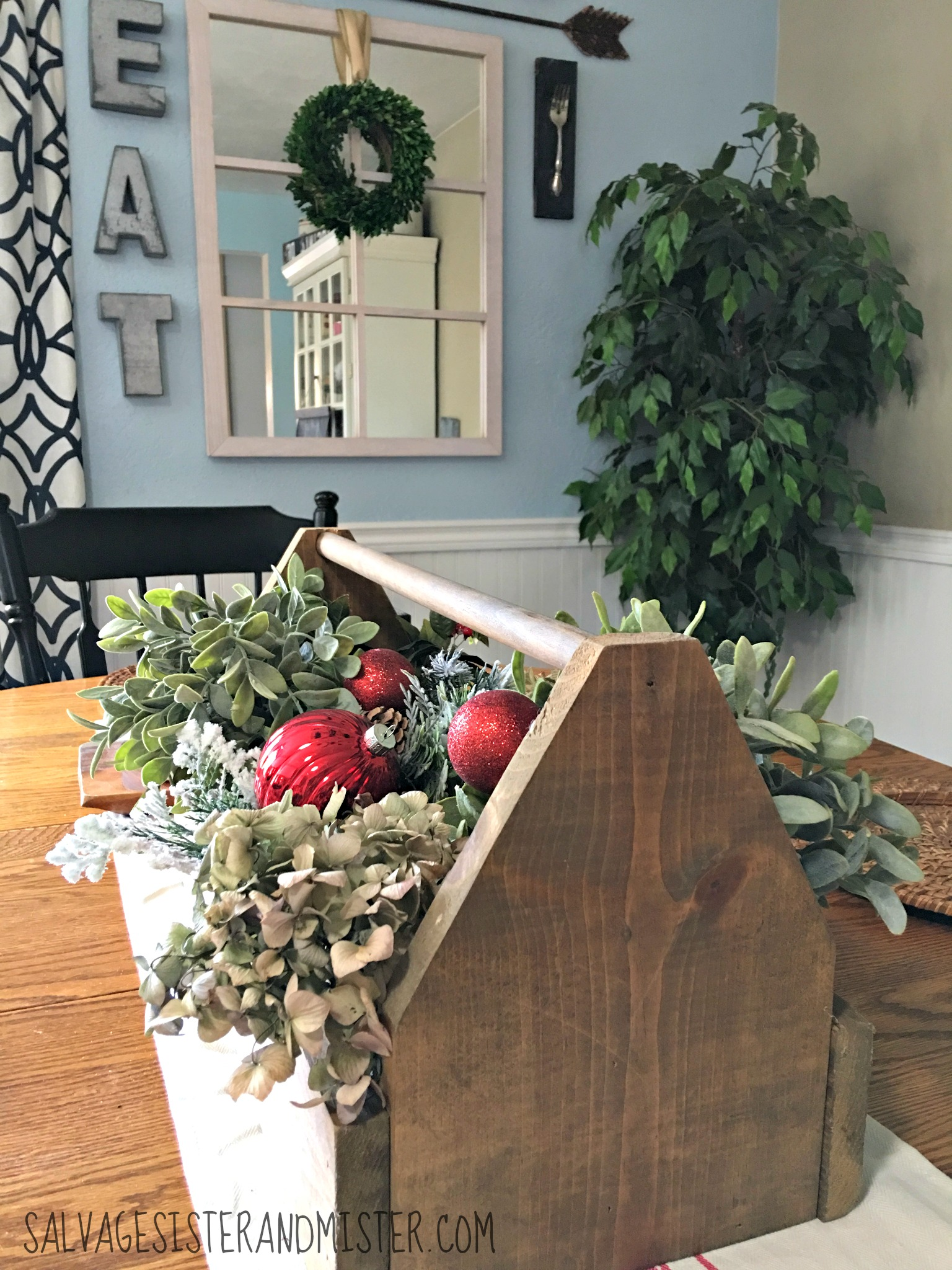 Salvaged Christmas home tour using junkin , flea market, thrifted, and made items. Make the best with what you have. A little famr house feel. Dining room with wood tool caddy.