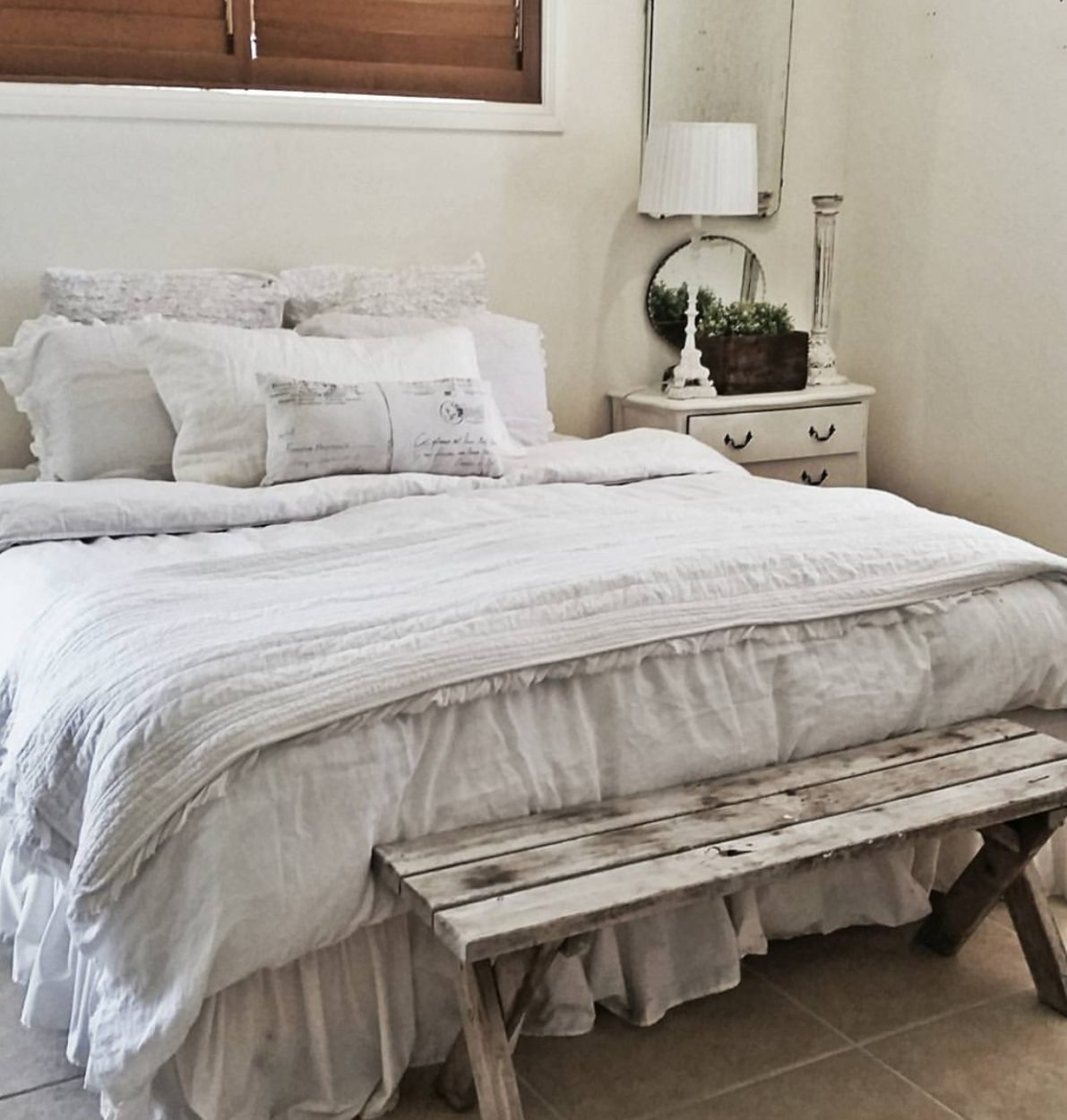 Farmhouse bedroom. This salvaged farmhouse tour is perfect. If you love fixer upper, you will love this home! Salvaged wood bench gives a perfect rustic element.