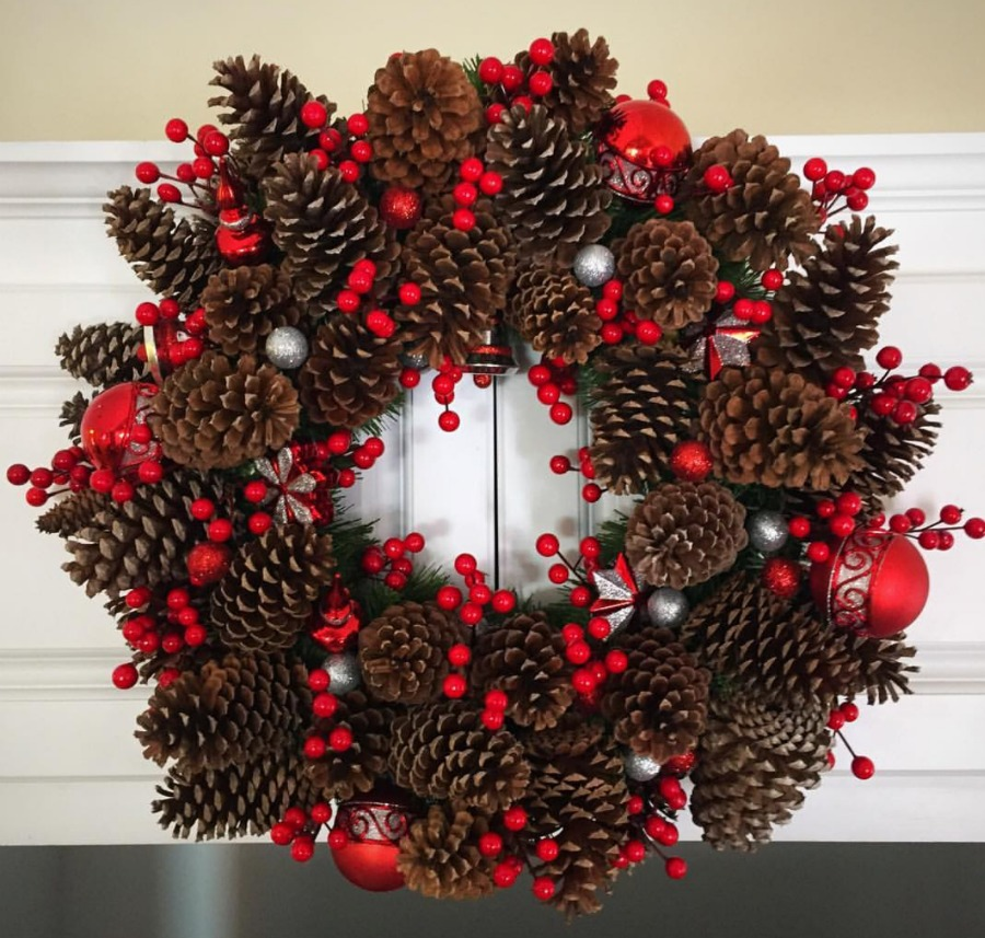A pine cone wreath is a great way to use up things you already have. Come see many upcycle christmas ideas to decorate your home with using items you have. Less waste holidays. Budget friendly holidays.
