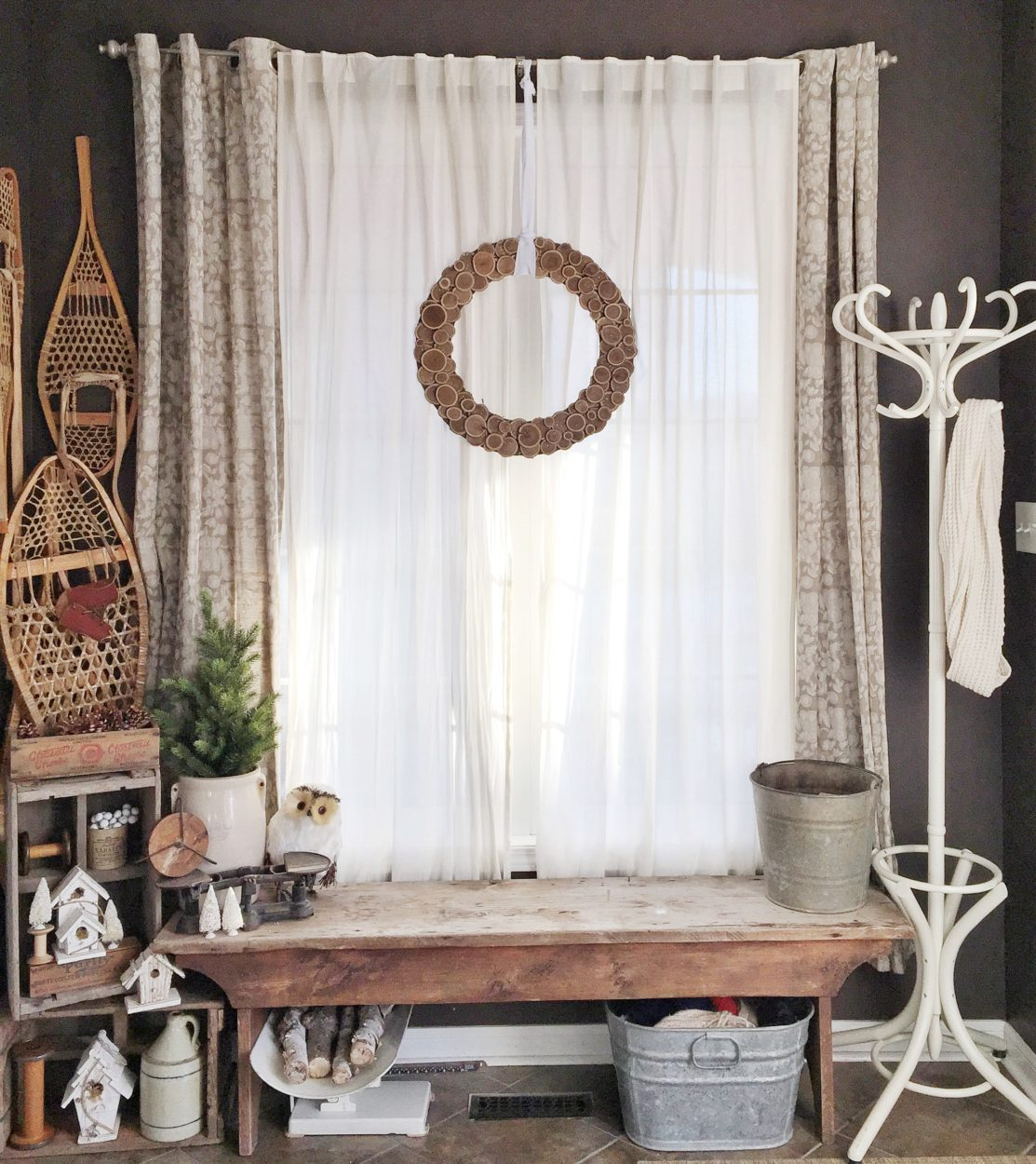 Decorating With Antiques: Decorating With Vintage Items