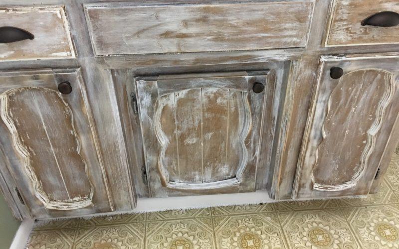 $100 Room Challenge – Rustic Bathroom Cabinets