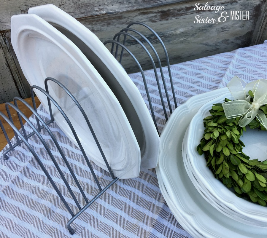 A diy chicken feeder plate rack for farmhouse decor. This trend is very popular in & DIY Farmhouse Chicken Feeder Trough Plate Rack - Salvage Sister and ...
