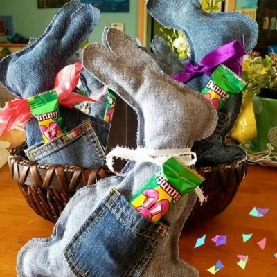 DIY denim bunny for Easter Basket - as featured on Salvagesisterandmister.com #easterbasket #diy #repurpose
