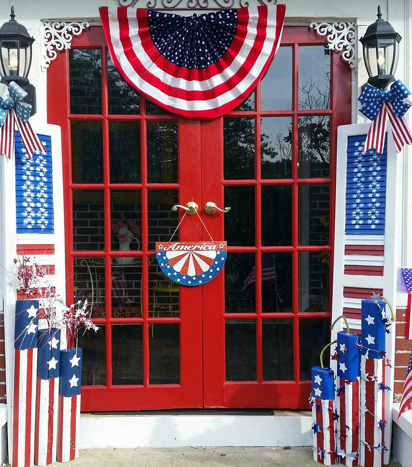 Patriotic front porch decor using old plastic shutters and scrap wood to reuse and upcycle by Tracy Southerland
