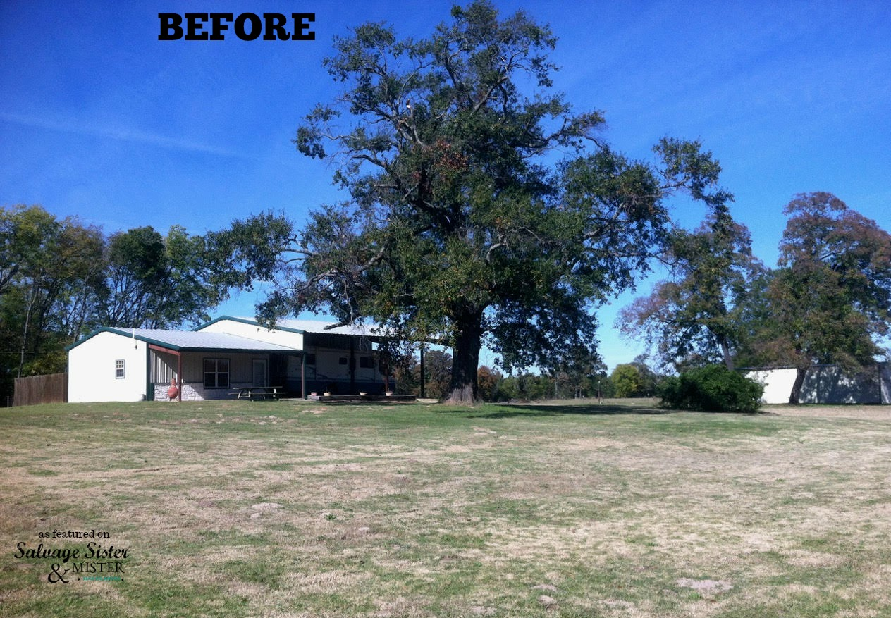The before on this complete exterior farmhouse makeover. As featured on salvagesisterandmister.com