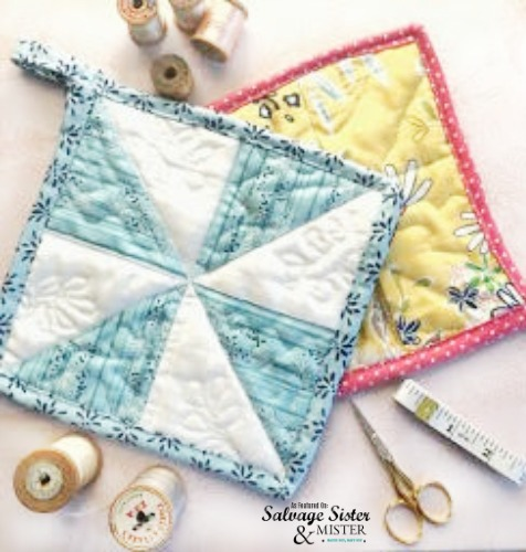 How to sew quilted fabric scraps pot holders - easy first time sewing project and a great way to use up leftover fabric scraps