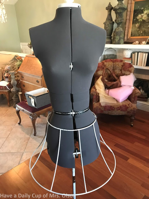 creating a vintage dress mannequin for decor