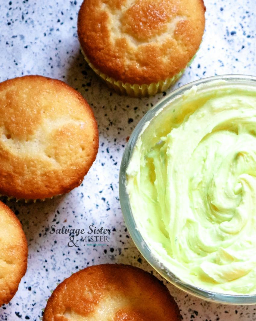 lemon cupcakes on salvagesisterandmister.com