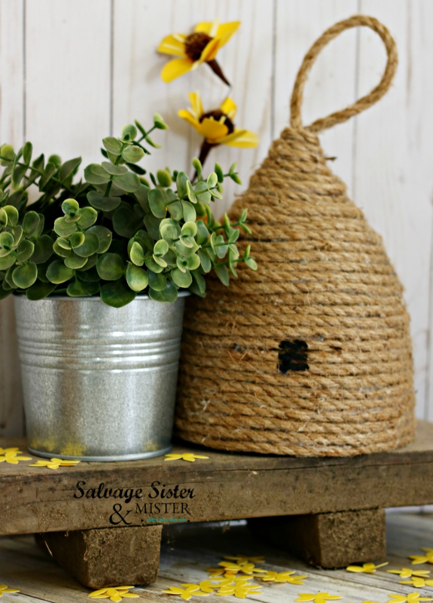 How to - Home Decor Rope Beehive. Fun for a home decorating, party or an outdoor patio. Find this DIY craft at salvagesisterandmister.com