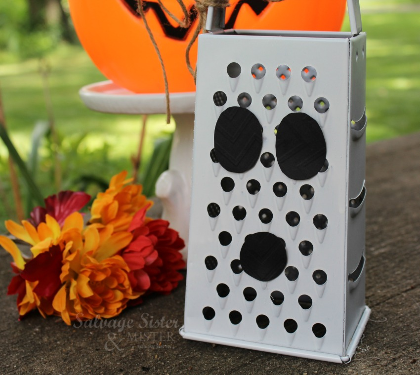 Creating a repurposed ghost grater craft on salvagesisterandmister.com - fall decor - budget decor - fun and easy craft
