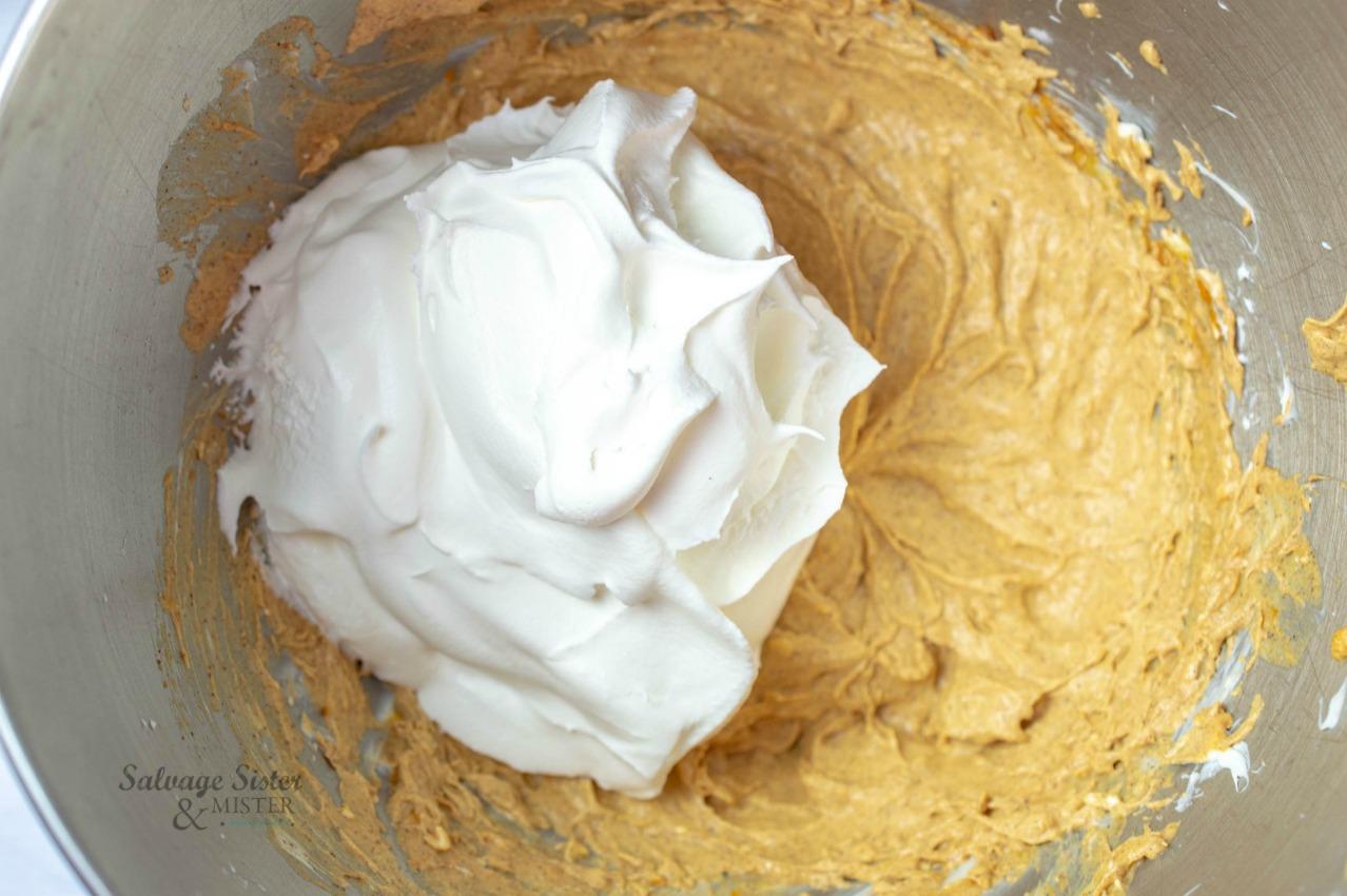 recipe process mini pumpkin cheesecake sandwich cookies on salvagesisterandmister.com