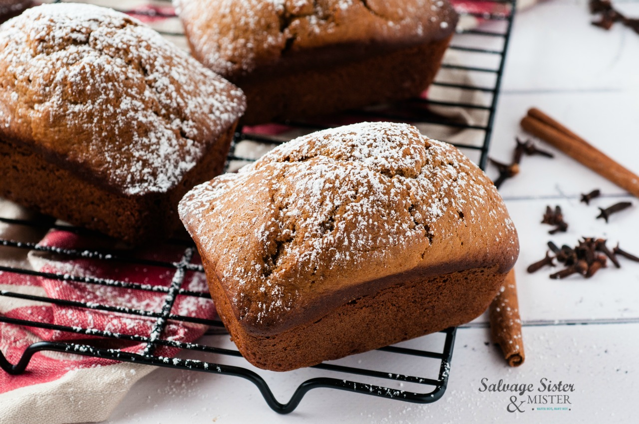 perfect little snack size mini gingerbread loaves on salvagesisterandmister.com