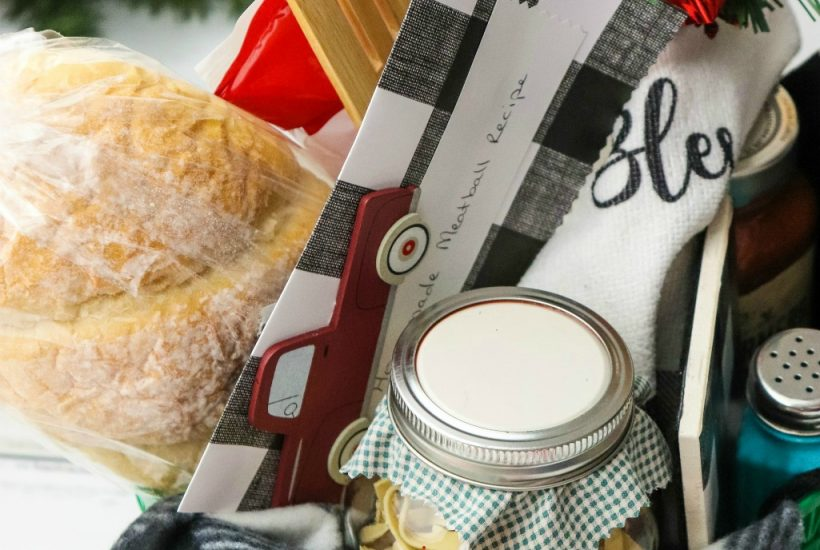 Making an Italian Dinner gift Basket for those on your gift list. Find tips and tricks to creating the perfect basket on salvagesisterandmister.com