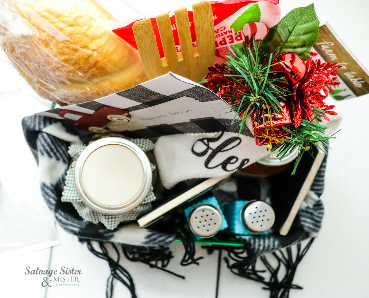 GIFT IDEA - Italian Dinner Gift Basket on salvagesisterandmister.com
