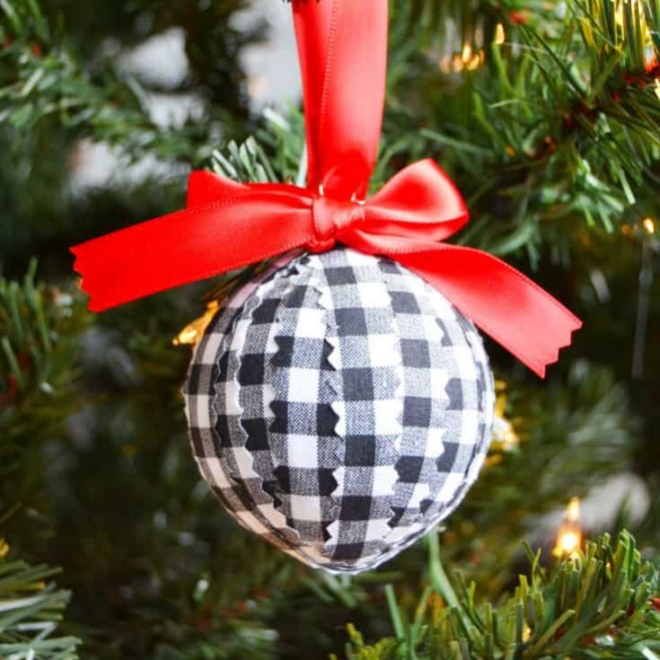 Easy DIY Christmas Ornament to Make in Minutes