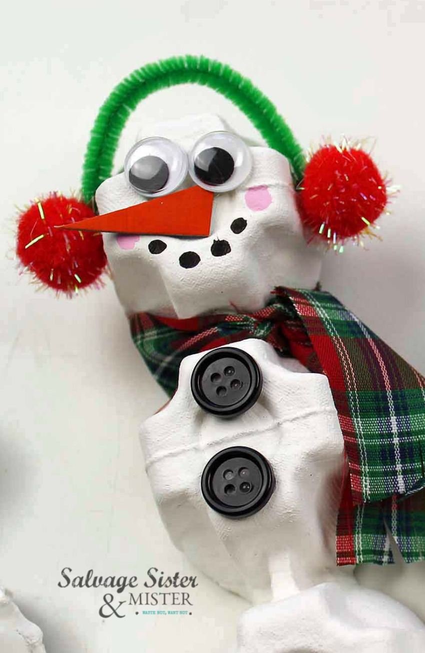 Reuse craft on salvagesisterandmister.com egg carton snowman ornament
