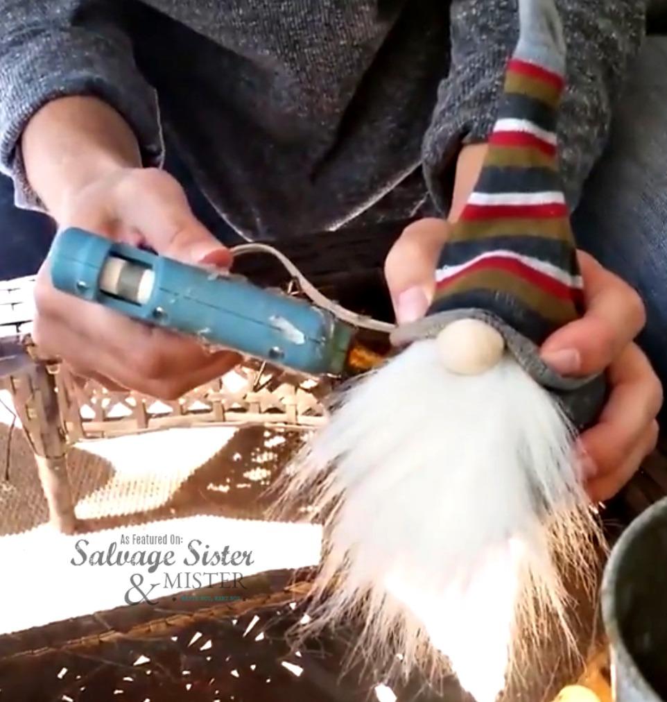 easy craft  no-sew sock gnome