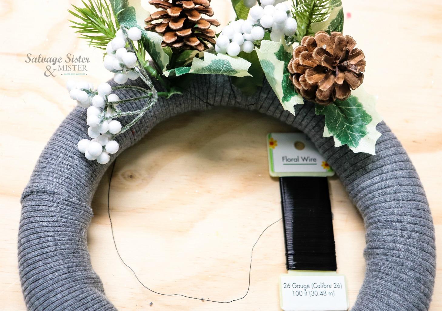 sweater wreath on salvagesisterandmister.com
