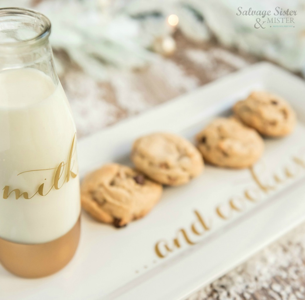 Cricut holiday project - SVG milk and cookie plate for santa - get the file and instructions for this diy project on salvagesisterandmister.com (great way to use up thrift store plates as well. Make fun holiday memories or give it as a gift