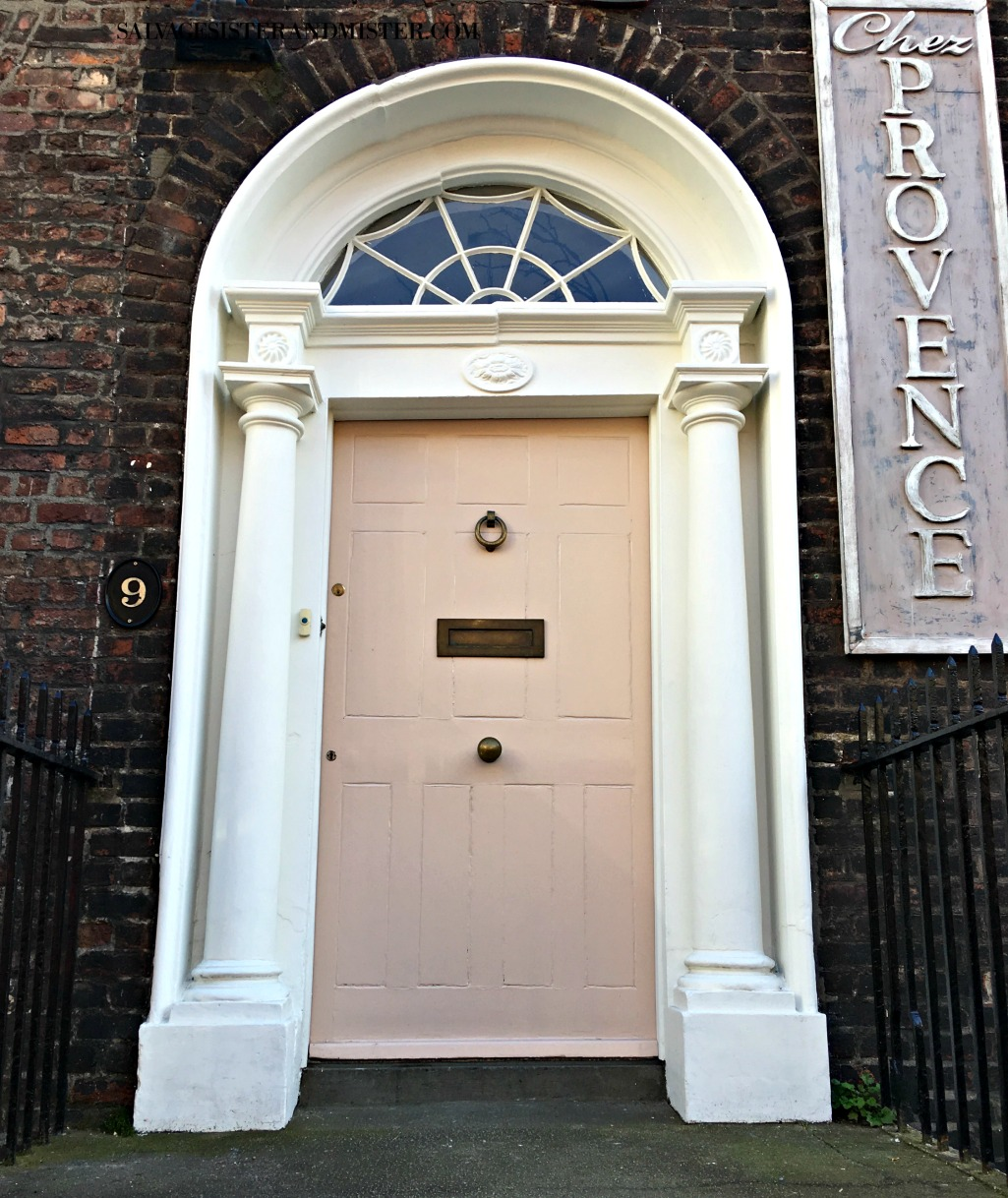 exploring ireland - doors of Ireland on salvagesisterandmister.com
